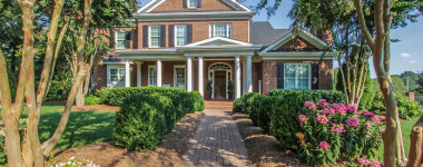 Knoxville Luxury Homes: Classic Beauty in Montgomery Cove